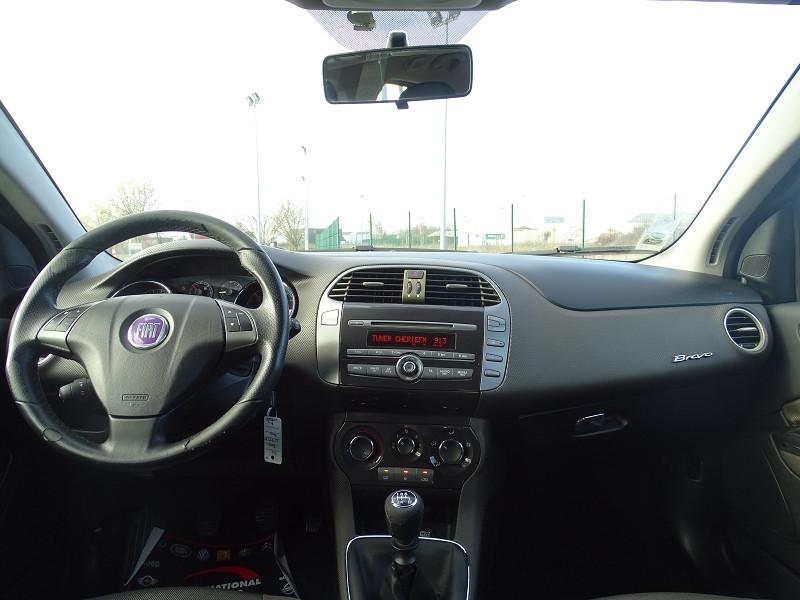 Photo 8 de l'offre de FIAT BRAVO 1.9 MULTIJET 8V 120CH DYNAMIC à 4990€ chez International Auto Auneau