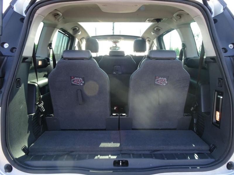 Photo 9 de l'offre de PEUGEOT 5008 1.6 HDI FAP PREMIUM PACK 7PL à 8790€ chez International Auto Auneau