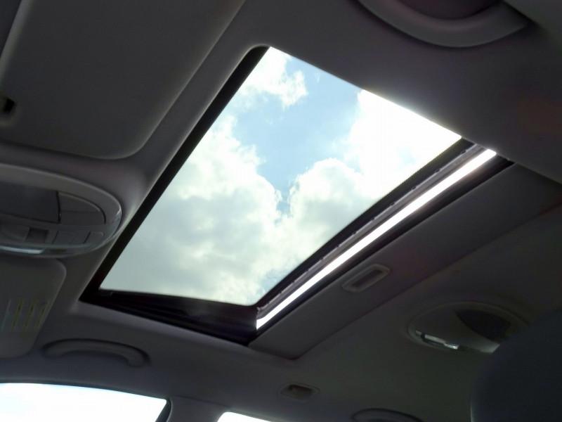 Photo 9 de l'offre de MERCEDES-BENZ CLASSE E BREAK (S211) 200 CDI ELEGANCE OPTIMUM BA à 10990€ chez International Auto Auneau