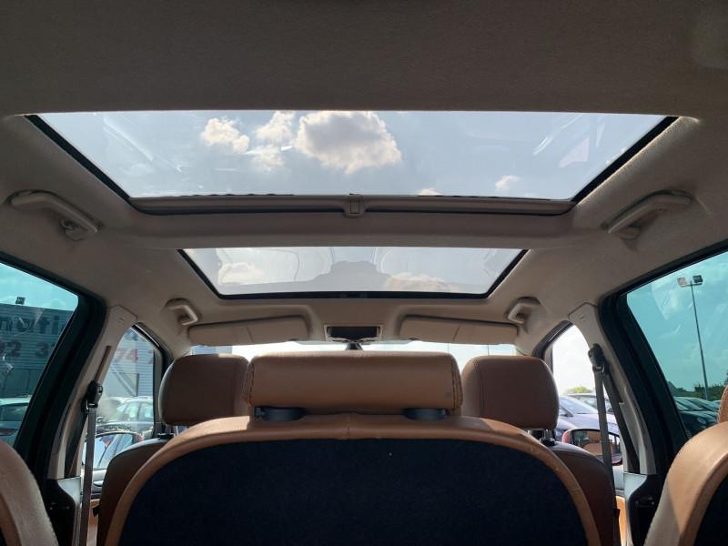 Photo 14 de l'offre de FORD S-MAX 2.0 TDCI 140CH DPF TITANIUM à 7790€ chez International Auto Auneau