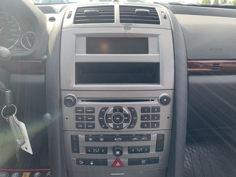 Photo 12 de l'offre de PEUGEOT 407 SW 2.0 HDI136 EXECUTIVE PACK à 4590€ chez International Auto Auneau