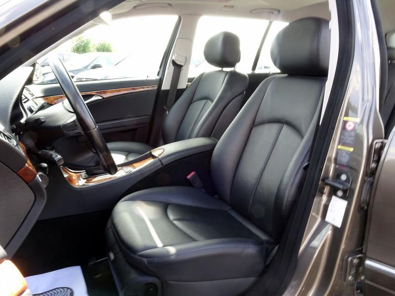 Photo 13 de l'offre de MERCEDES-BENZ CLASSE E BREAK (S211) 200 CDI ELEGANCE OPTIMUM BA à 10990€ chez International Auto Auneau