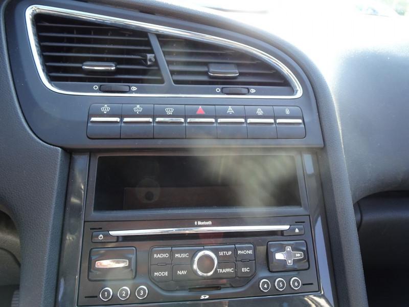 Photo 16 de l'offre de PEUGEOT 5008 1.6 HDI FAP PREMIUM PACK 7PL à 8790€ chez International Auto Auneau