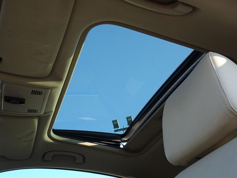 Photo 11 de l'offre de BMW SERIE 3 COUPE (E92) 325IA 218CH LUXE à 11890€ chez International Auto Auneau