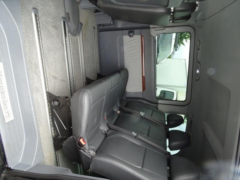 Photo 8 de l'offre de MERCEDES-BENZ VIANO CDI 2.2 AMBIENTE COMPACT à 14890€ chez International Auto Auneau