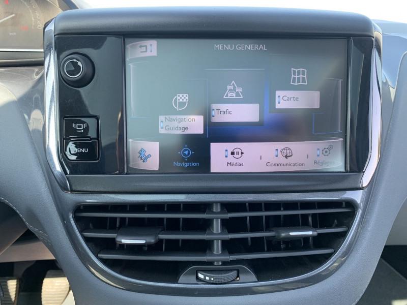 Photo 11 de l'offre de PEUGEOT 208 1.6 VTI ALLURE 5P à 8690€ chez International Auto Auneau