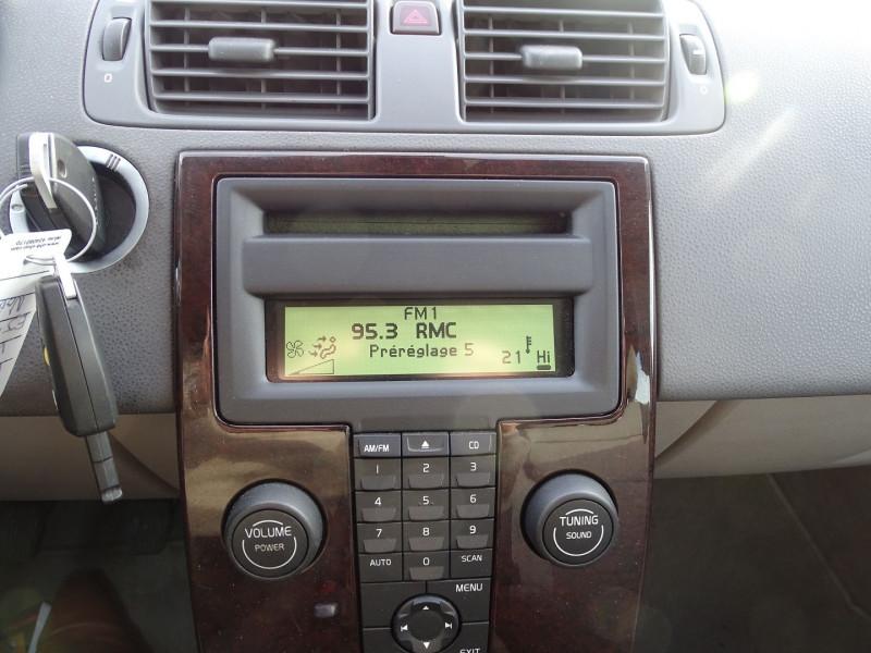 Photo 6 de l'offre de VOLVO V50 1.6 D 110CH MOMENTUM à 5390€ chez International Auto Auneau