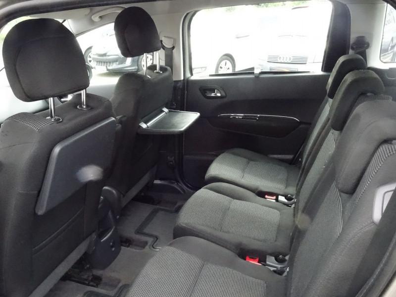 Photo 6 de l'offre de PEUGEOT 5008 1.6 HDI FAP CONFORT PACK 7PL à 3590€ chez International Auto Auneau