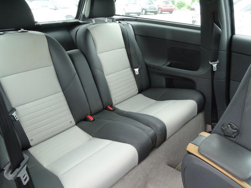 Photo 5 de l'offre de VOLVO C30 1.6 D 110CH DRIVE KINETIC à 7690€ chez International Auto Auneau