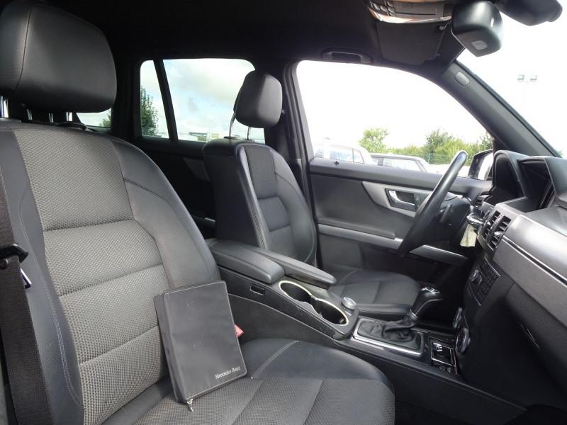 Photo 6 de l'offre de MERCEDES-BENZ CLASSE GLK (X204) 280 PACK SPORT 4 MATIC à 13490€ chez International Auto Auneau