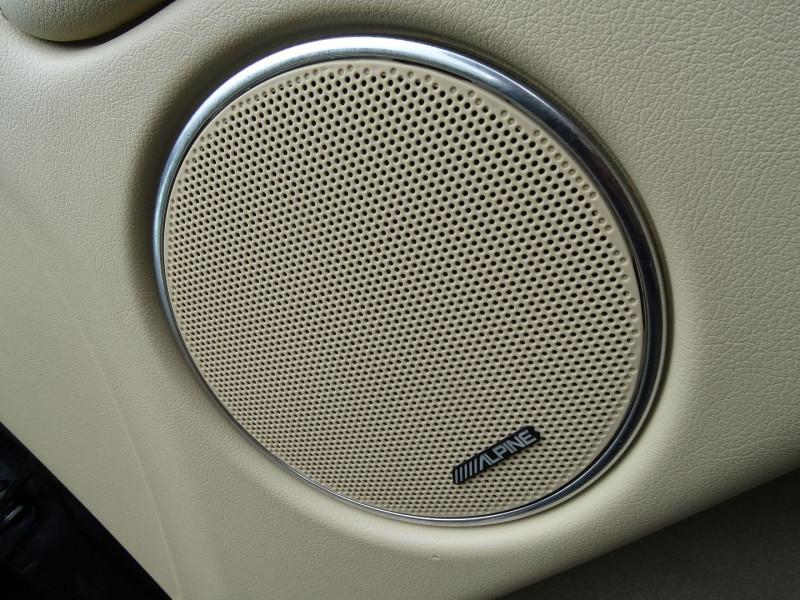 Photo 16 de l'offre de JAGUAR X-TYPE 3.0 V6 EXECUTIVE à 8790€ chez International Auto Auneau