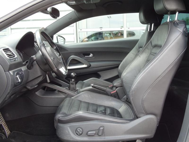 Photo 9 de l'offre de VOLKSWAGEN SCIROCCO 2.0 TDI 140CH FAP CARAT à 11490€ chez International Auto Auneau