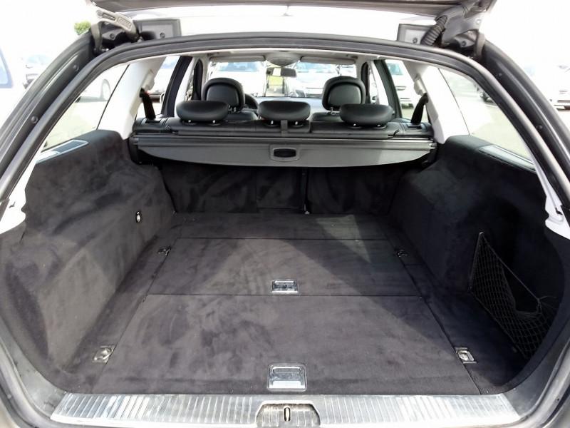 Photo 16 de l'offre de MERCEDES-BENZ CLASSE E BREAK (S211) 200 CDI ELEGANCE OPTIMUM BA à 10990€ chez International Auto Auneau