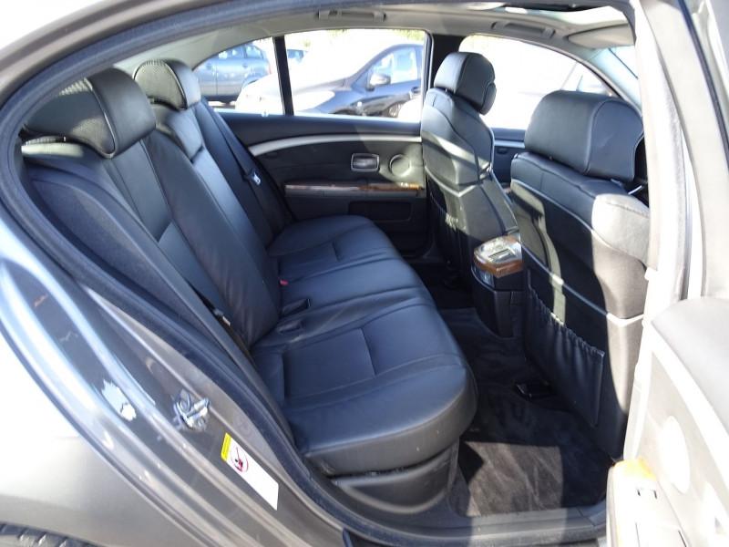 Photo 20 de l'offre de BMW SERIE 7 (E65) 730DA 231CH à 14490€ chez International Auto Auneau