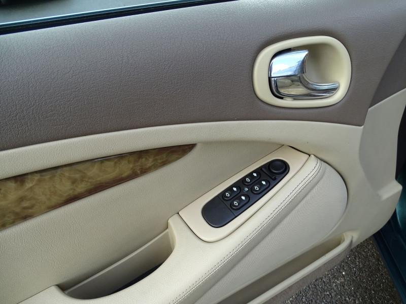 Photo 18 de l'offre de JAGUAR S-TYPE 2.7D BI-TURBO CLASSIQUE BA à 7890€ chez International Auto Auneau