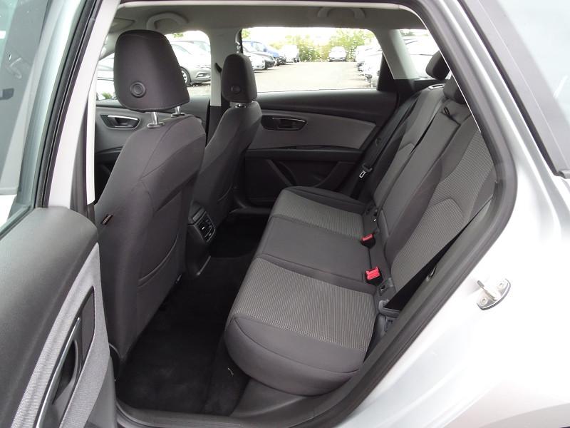 Photo 9 de l'offre de SEAT LEON ST 1.6 TDI 115CH FAP STYLE à 10990€ chez International Auto Auneau
