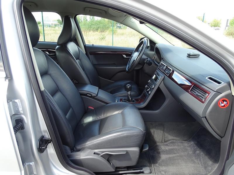 Photo 10 de l'offre de VOLVO S80 2.0 D 136CH MOMENTUM à 8490€ chez International Auto Auneau