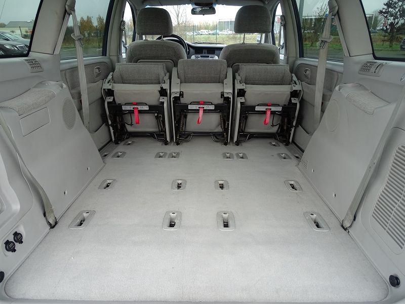 Photo 18 de l'offre de HYUNDAI TRAJET 2.0 CRDI PACK CONFORT à 4290€ chez International Auto Auneau