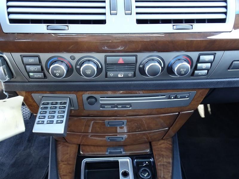 Photo 9 de l'offre de BMW SERIE 7 (E65) 730DA 231CH à 14490€ chez International Auto Auneau