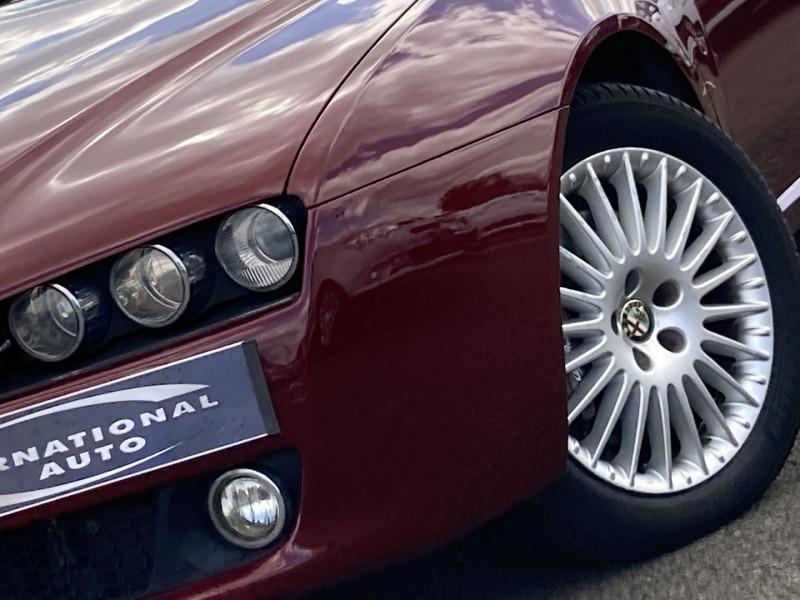 Photo 2 de l'offre de ALFA ROMEO 159 SW 2.4 JTD200 20V SELECTIVE QTRONIC à 8890€ chez International Auto Auneau