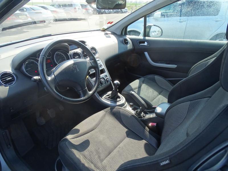Photo 3 de l'offre de PEUGEOT 308 1.6 VTI 16V PREMIUM 3P à 5490€ chez International Auto Auneau