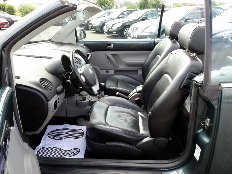 Photo 6 de l'offre de VOLKSWAGEN BEETLE CAB 2.0 115CH CARAT à 9790€ chez International Auto Auneau