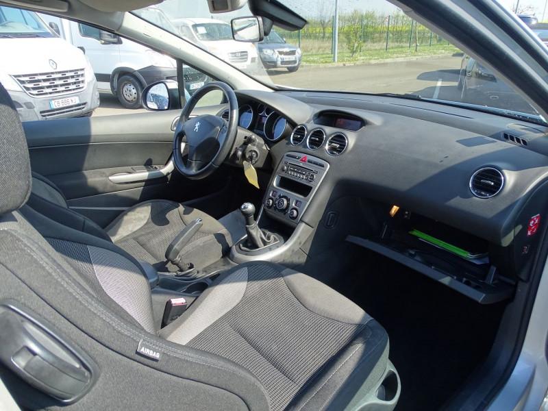 Photo 7 de l'offre de PEUGEOT 308 1.6 VTI 16V PREMIUM 3P à 5490€ chez International Auto Auneau