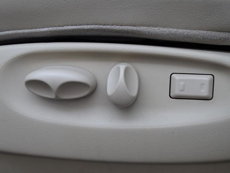 Photo 10 de l'offre de JAGUAR S-TYPE 3.0 V6 PACK SPORT BA à 7490€ chez International Auto Auneau