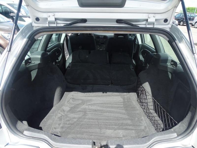 Photo 9 de l'offre de VOLVO V40 1.9 D 115CH TITANIUM à 3990€ chez International Auto Auneau