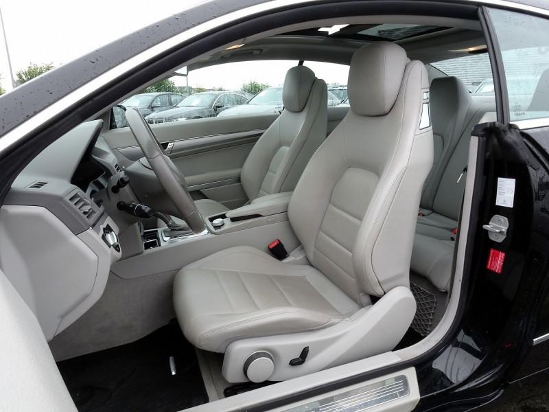 Photo 6 de l'offre de MERCEDES-BENZ CLASSE E COUPE (C207) 350 CDI EXECUTIVE BE BA à 15890€ chez International Auto Auneau