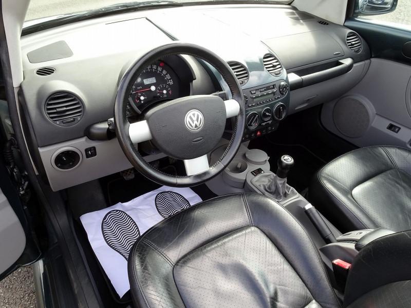 Photo 8 de l'offre de VOLKSWAGEN BEETLE CAB 2.0 115CH CARAT à 9790€ chez International Auto Auneau