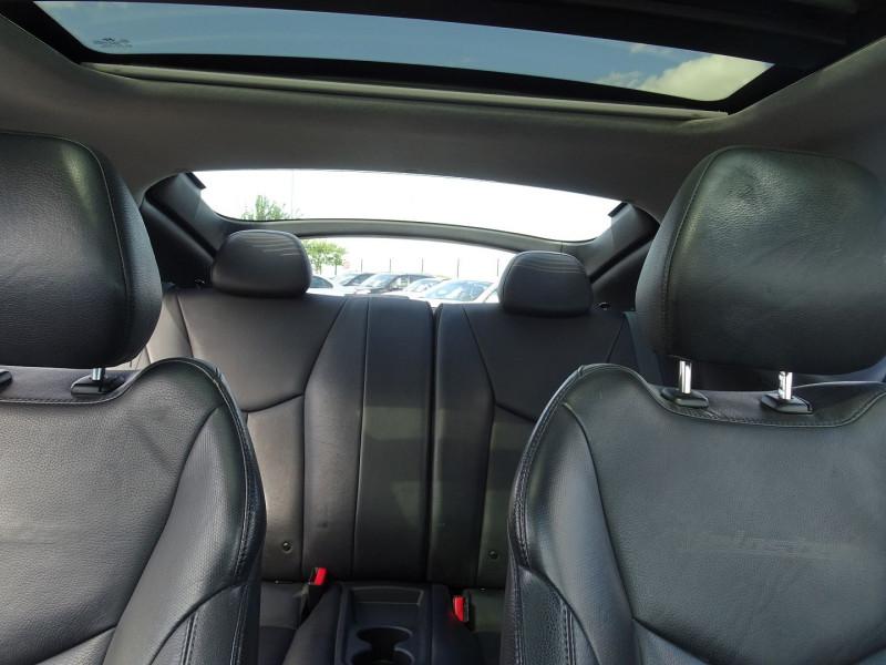 Photo 9 de l'offre de HYUNDAI VELOSTER 1.6 GDI PACK PREMIUM à 10390€ chez International Auto Auneau