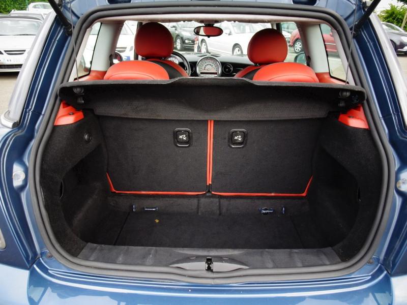 Photo 8 de l'offre de MINI MINI COOPER D 110CH à 9890€ chez International Auto Auneau