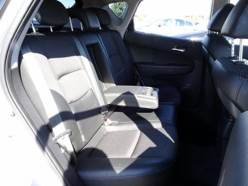 Photo 15 de l'offre de HYUNDAI I30 2.0 CRDI PACK LUXE 5P à 6390€ chez International Auto Auneau