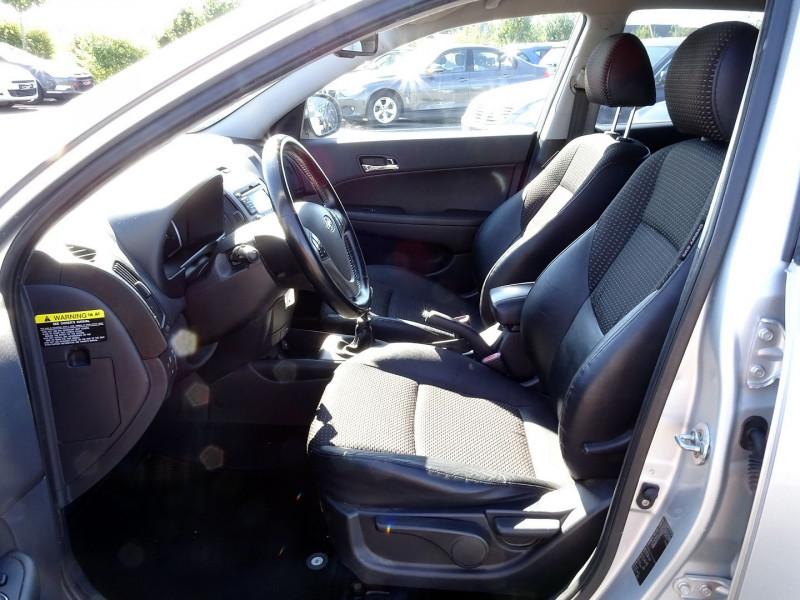 Photo 5 de l'offre de HYUNDAI I30 2.0 CRDI PACK LUXE 5P à 6390€ chez International Auto Auneau