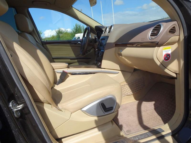 Photo 14 de l'offre de MERCEDES-BENZ CLASSE GL (X164) 320 CDI PACK LUXE 7PL à 21690€ chez International Auto Auneau
