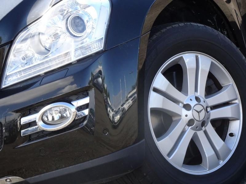 Photo 2 de l'offre de MERCEDES-BENZ CLASSE GL (X164) 320 CDI PACK LUXE 7PL à 21690€ chez International Auto Auneau