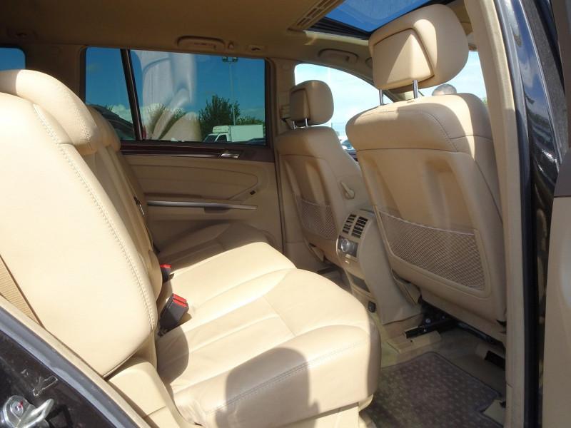 Photo 13 de l'offre de MERCEDES-BENZ CLASSE GL (X164) 320 CDI PACK LUXE 7PL à 21690€ chez International Auto Auneau