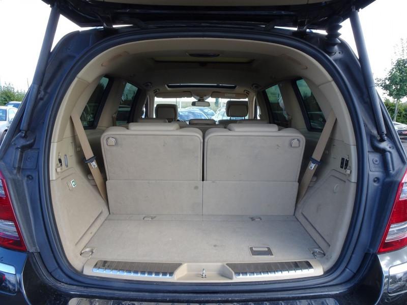 Photo 12 de l'offre de MERCEDES-BENZ CLASSE GL (X164) 320 CDI PACK LUXE 7PL à 21690€ chez International Auto Auneau