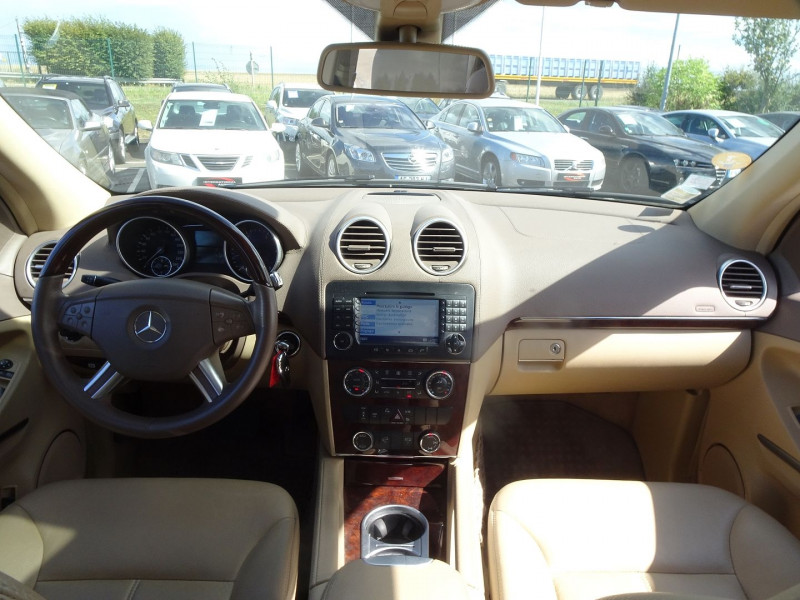 Photo 9 de l'offre de MERCEDES-BENZ CLASSE GL (X164) 320 CDI PACK LUXE 7PL à 21690€ chez International Auto Auneau