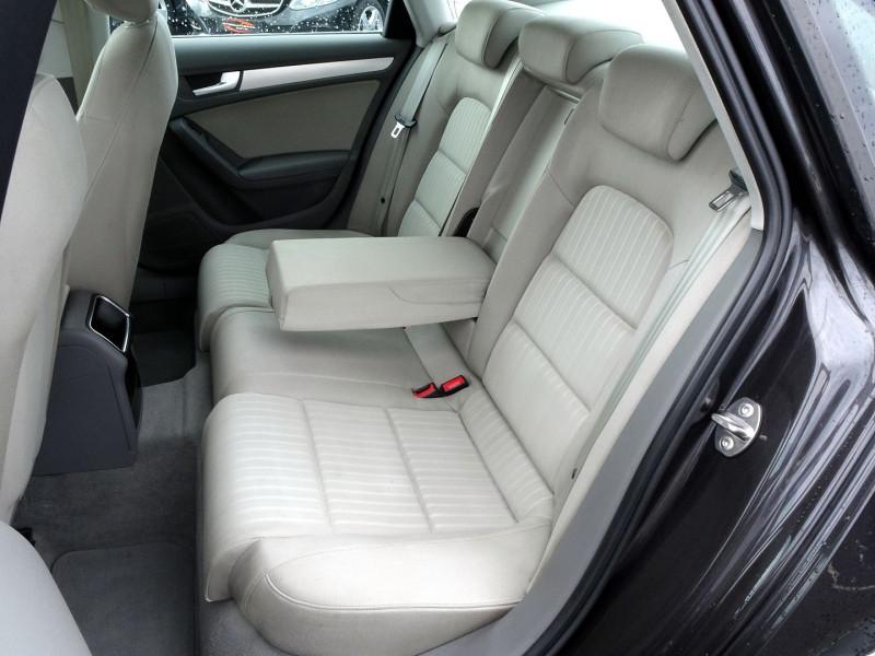 Photo 10 de l'offre de AUDI A4 2.7 V6 TDI 190CH DPF AMBIENTE MULTITRONIC à 12490€ chez International Auto Auneau