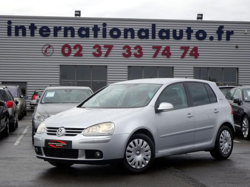 Photo 2 de l'offre de VOLKSWAGEN GOLF V 1.6 FSI 115CH CONFORT 5P à 6790€ chez International Auto Auneau