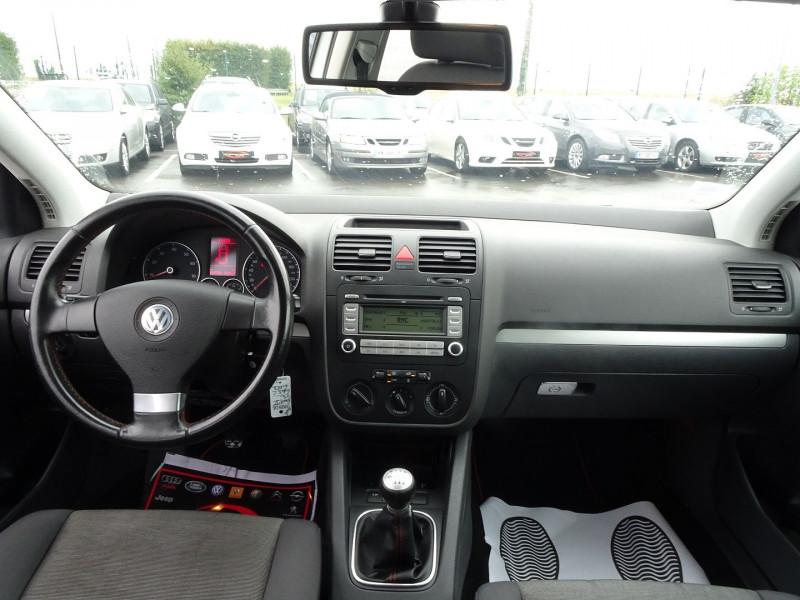 Photo 14 de l'offre de VOLKSWAGEN GOLF V 1.6 FSI 115CH CONFORT 5P à 6790€ chez International Auto Auneau