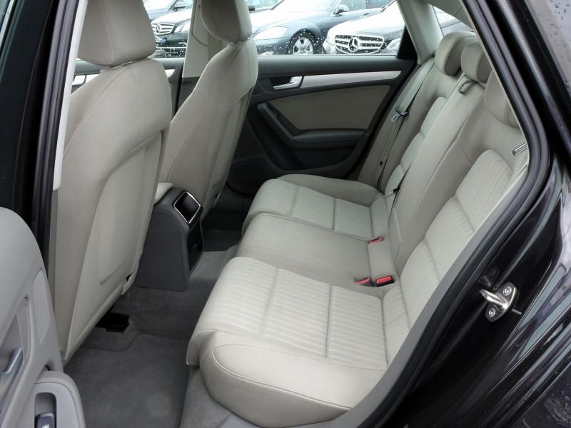 Photo 9 de l'offre de AUDI A4 2.7 V6 TDI 190CH DPF AMBIENTE MULTITRONIC à 12490€ chez International Auto Auneau