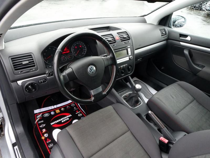 Photo 5 de l'offre de VOLKSWAGEN GOLF V 1.6 FSI 115CH CONFORT 5P à 6790€ chez International Auto Auneau