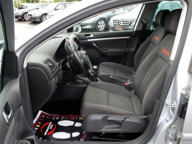 Photo 3 de l'offre de VOLKSWAGEN GOLF V 1.6 FSI 115CH CONFORT 5P à 6790€ chez International Auto Auneau