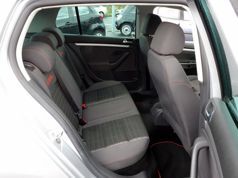 Photo 16 de l'offre de VOLKSWAGEN GOLF V 1.6 FSI 115CH CONFORT 5P à 6790€ chez International Auto Auneau