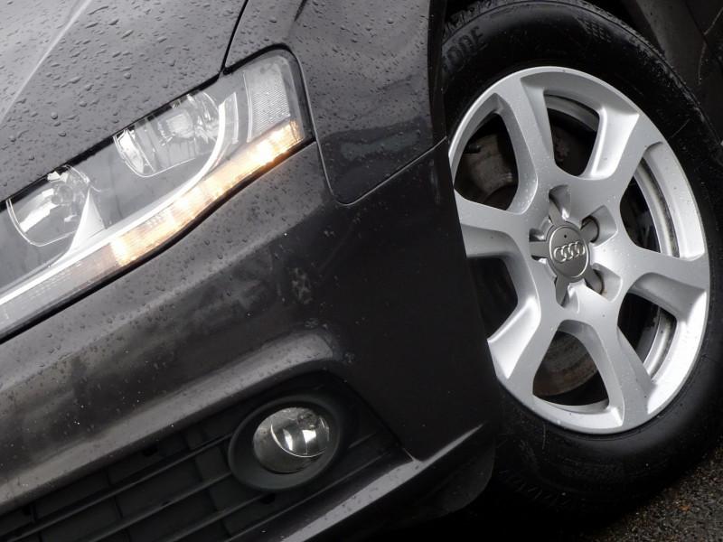 Photo 3 de l'offre de AUDI A4 2.7 V6 TDI 190CH DPF AMBIENTE MULTITRONIC à 12490€ chez International Auto Auneau