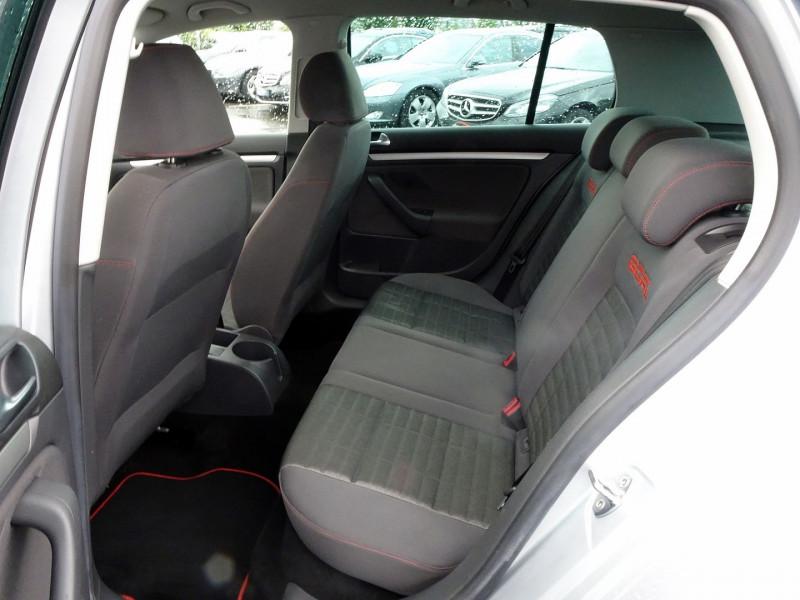 Photo 12 de l'offre de VOLKSWAGEN GOLF V 1.6 FSI 115CH CONFORT 5P à 6790€ chez International Auto Auneau