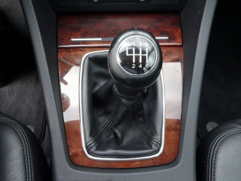 Photo 10 de l'offre de AUDI A4 AVANT 2.0 TDI 140CH AMBITION LUXE à 7390€ chez International Auto Auneau